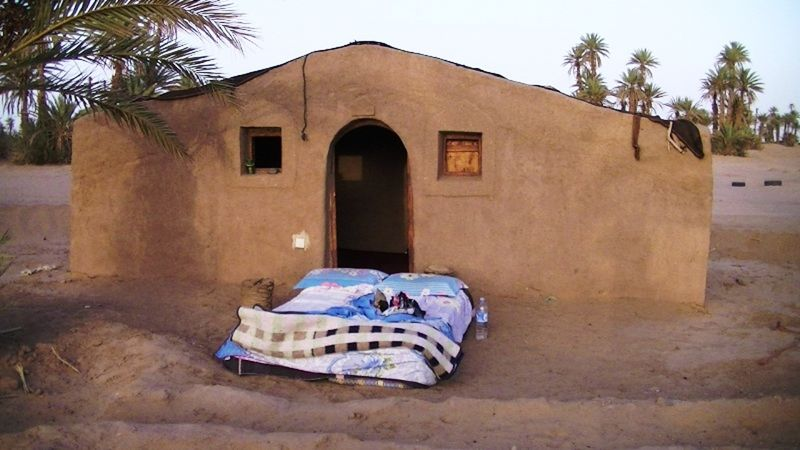 aussirose sleeps under stars in Sahara Desert - Morocco