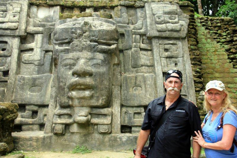 210 Belize - Lamanai Us