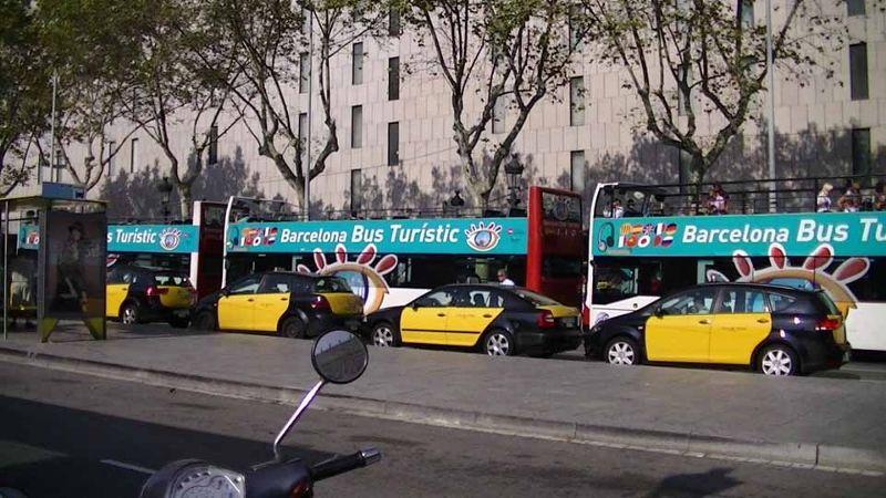 Barcelona - bus or taxi?... Bus says aussirose!! - Barcelona
