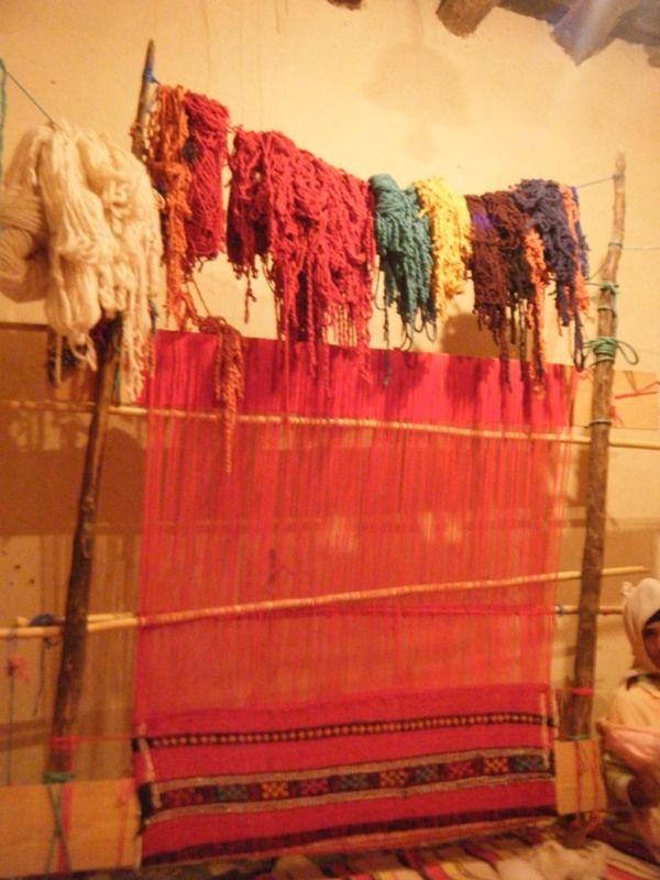 Carpet making with Razouk El Mahjoub, Tinghir - Morocco
