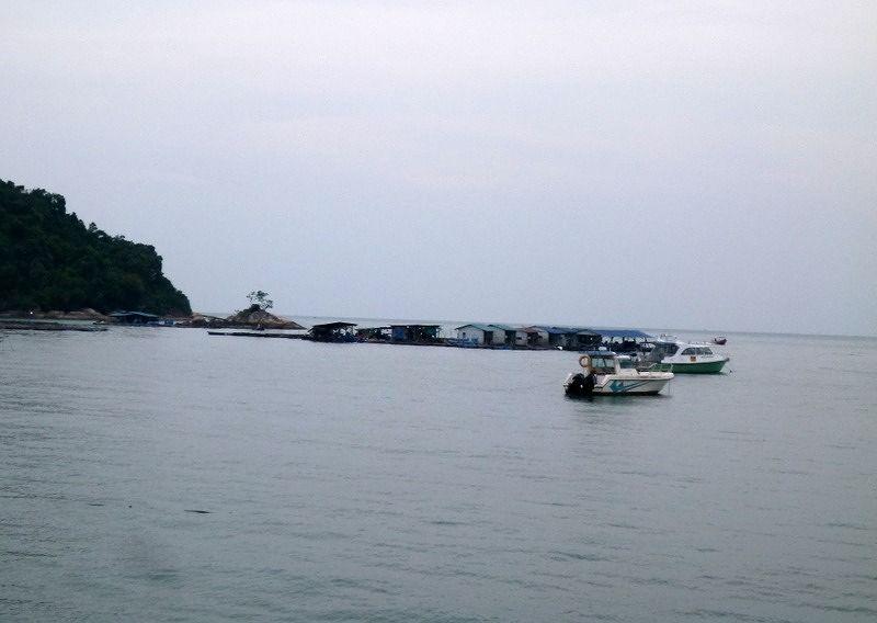 aussirose enjoyes the view overlooking Melaka sea - Penang