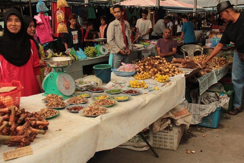 aussirose visits DaHongHua's local market - Penang