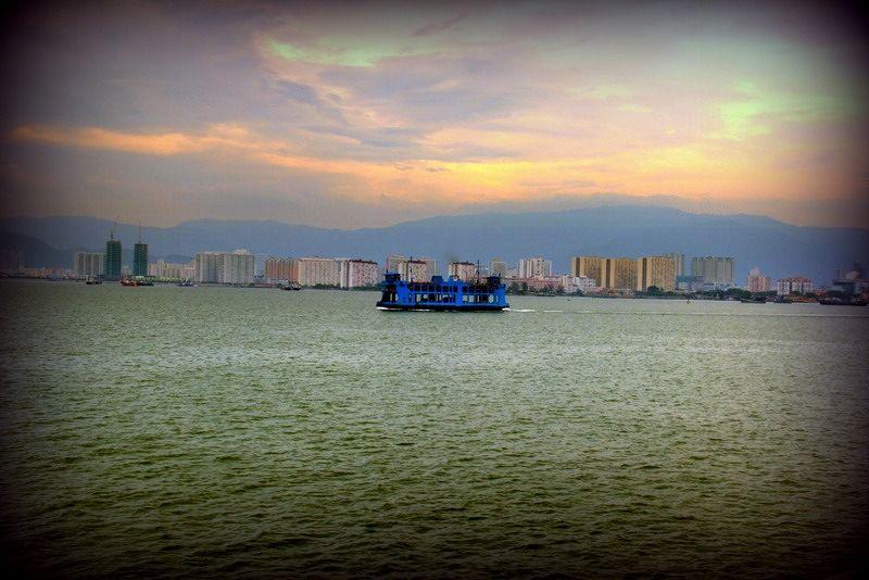 DaHongHua takes aussirose by ferry to Penang Islan - Penang