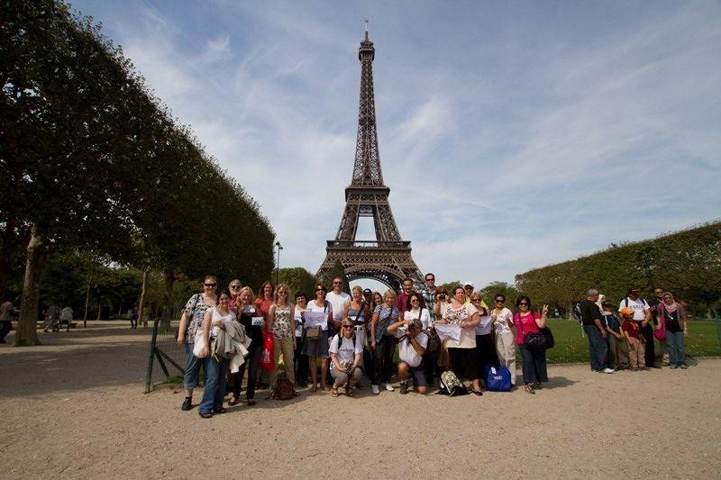 VT meet with the locals - Paris