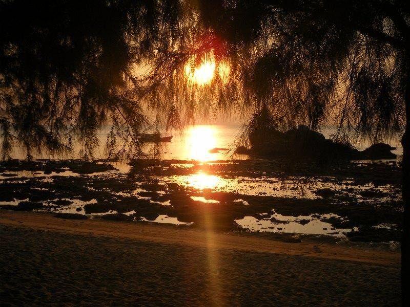 Sunset on Pulau Tioman Malaysia by aussirose