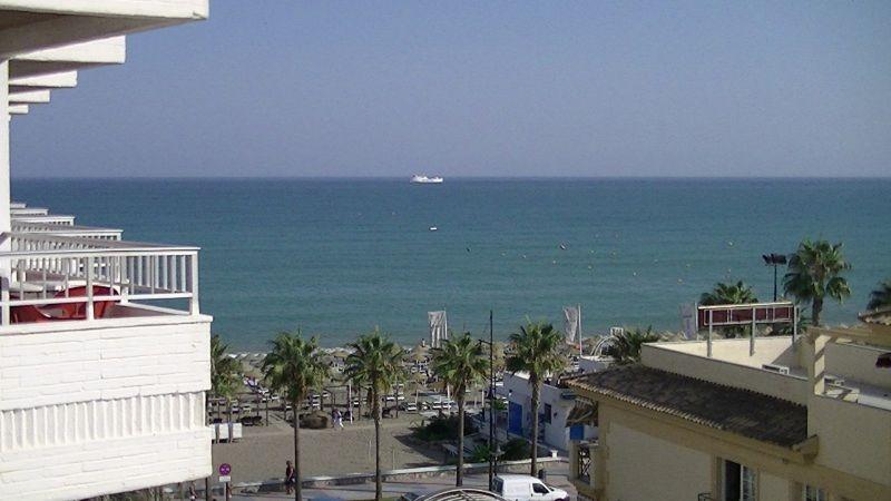 View from our hotel room Apartamentos Bajondillo - Torremolinos