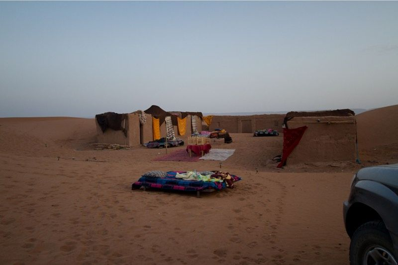 aussirose sleeping under stars in Sahara Morocco - Morocco