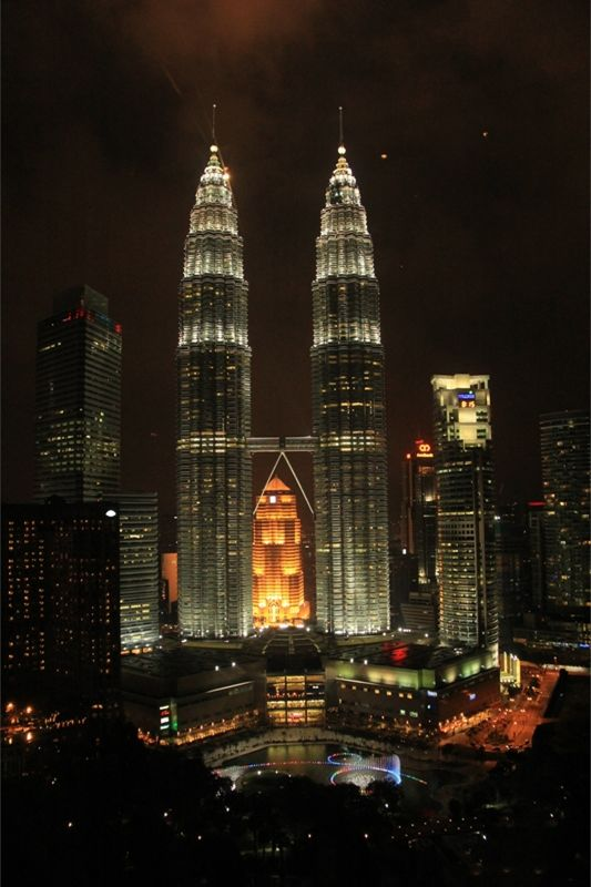Twin Towers Kuala Lumpur at night by aussirose - Kuala Lumpur