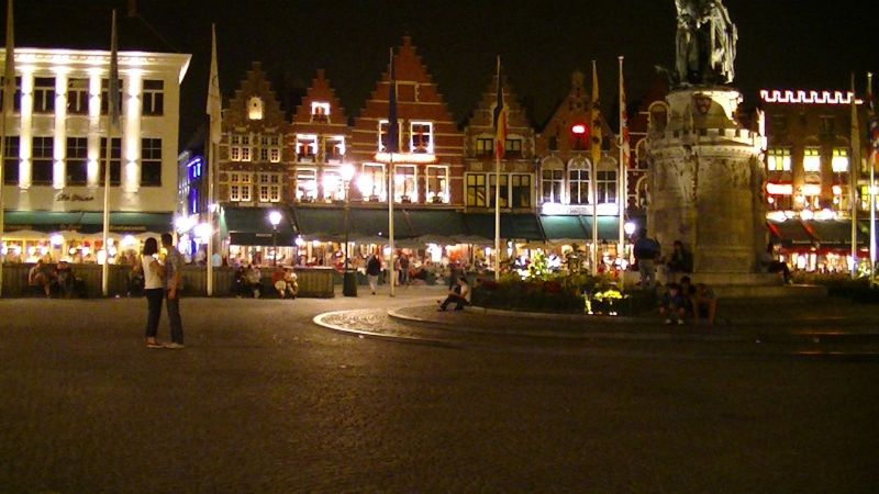 Brugges Market Square by aussirose