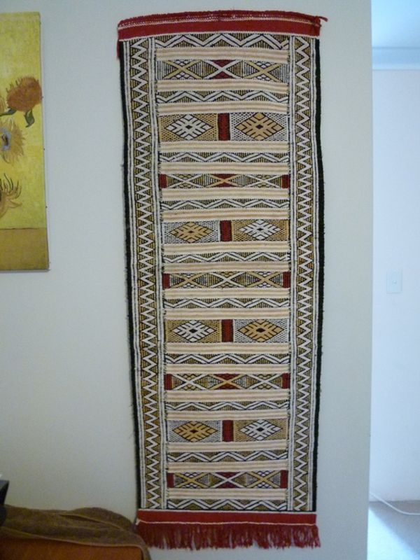 aussirose buys carpet from local berber in Tinghir - Morocco