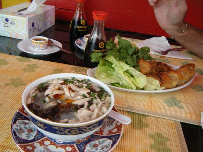 aussirose Howie eat Chinese Casablanca Morocco