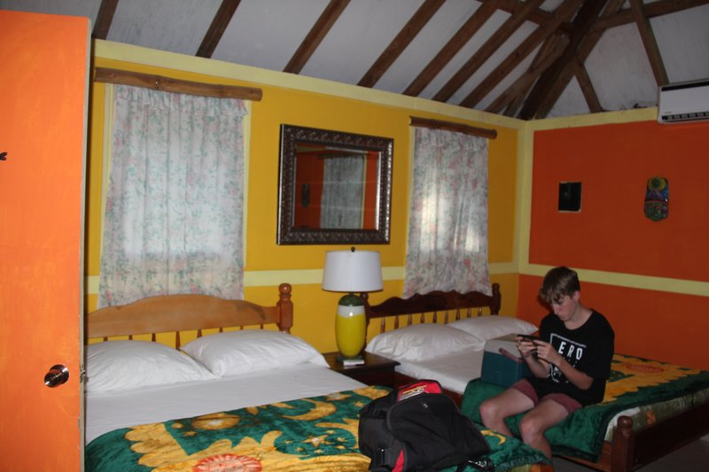 Belize - Howler Monkey Resort