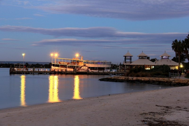 Perth Mends St Jetty at dusk