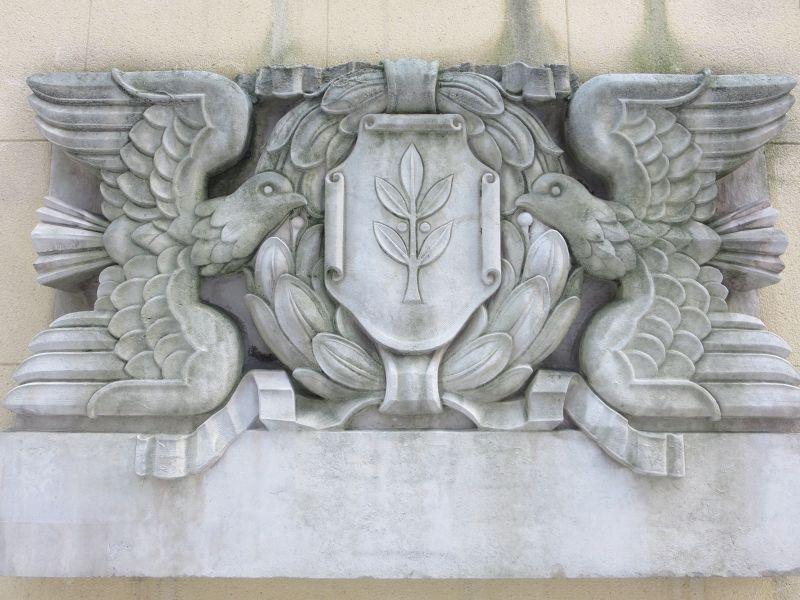 Two dove plaque