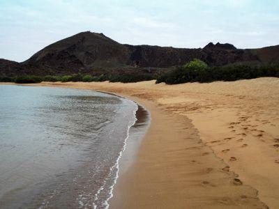 6444383-Beach_at_Bartolome_Galapagos_Islands.jpg