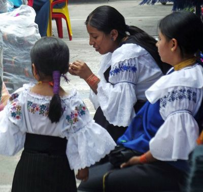6468719-Otavalan_dress_Otavalo.jpg