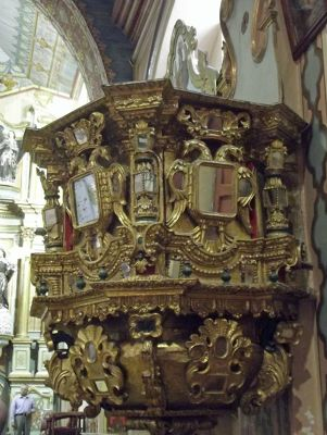 6468788-Pulpit_Cuenca.jpg