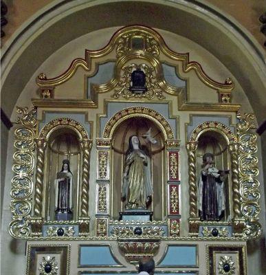 6468827-Side_altar_Cuenca.jpg