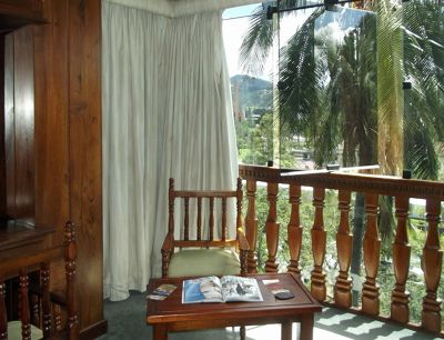 6468830-Another_view_of_the_room_Cuenca.jpg