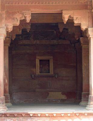 7521966-Jodha_Bais_Palace_Fatehpur_Sikri.jpg