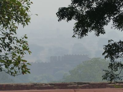 7521999-View_from_the_palace_Fatehpur_Sikri.jpg