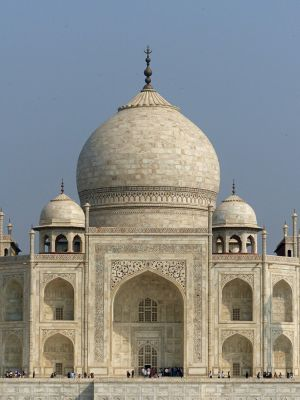 7524294-Taj_Mahal_the_main_tomb_Agra.jpg