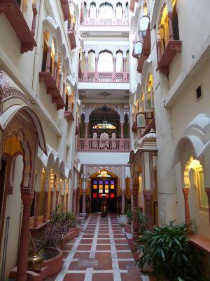 7530162-Hallway_Jaipur.jpg