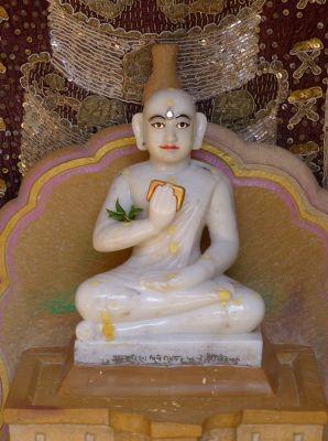 7536686-Idol_in_Rishabanatha_Jaisalmer.jpg