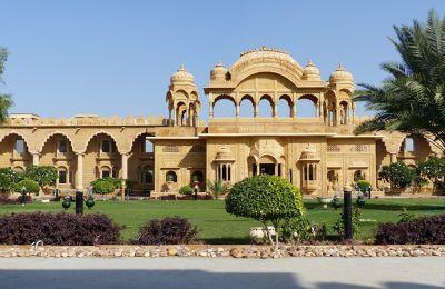 7536724-Main_entrance_Jaisalmer.jpg