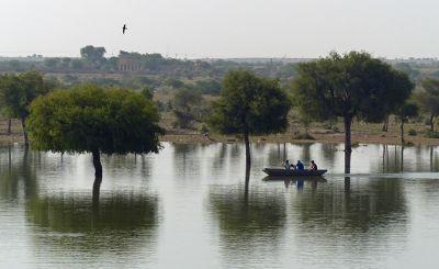 7536745-Gadisar_Lake_Jaisalmer.jpg
