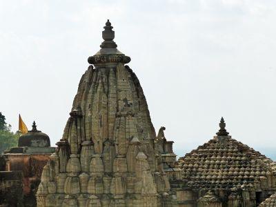 7551653-Samadhishwar_temple_Chittaurgarh.jpg