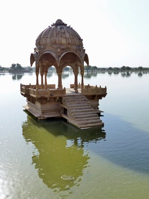 Jaisalmer_16_Gadisar_Tank.jpg