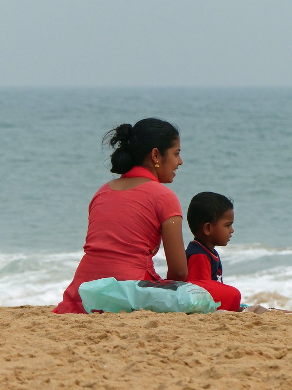 Local family, Chowara beach