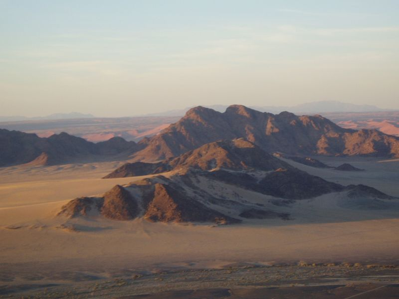 large_6072563-Ballooning_over_the_Namib_Desert.jpg