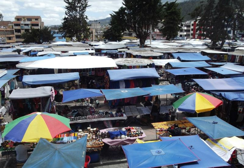 Market from above - Otavalo