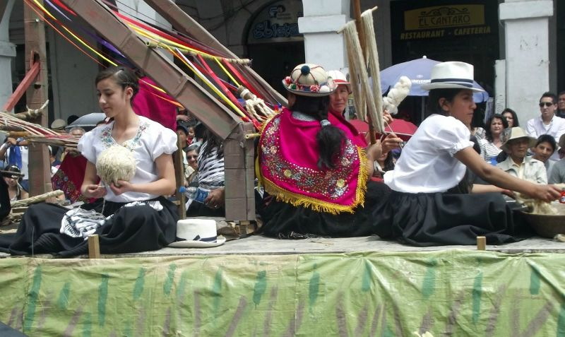 Float in the parade - Cuenca