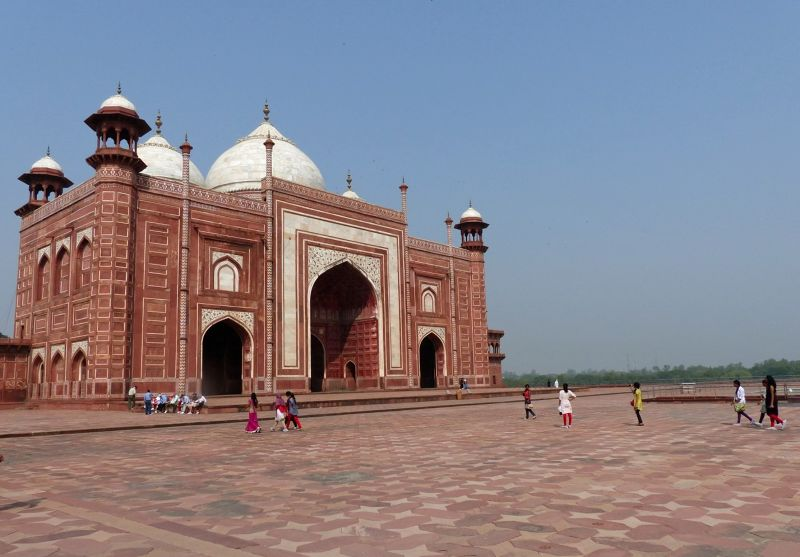 The mosque - Agra