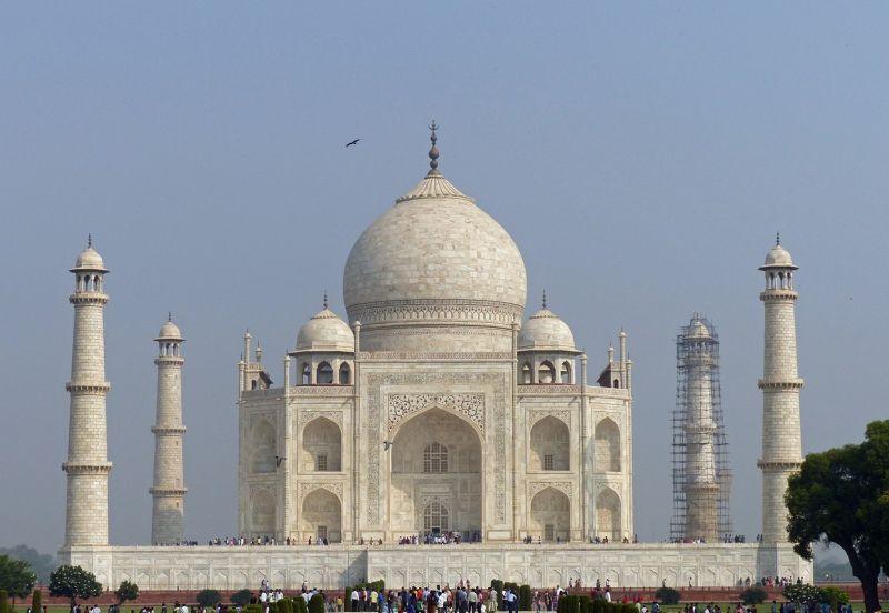 large_7524342-Taj_Mahal_history_and_myth_Agra.jpg