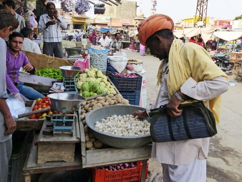 Market scene - Khimsar