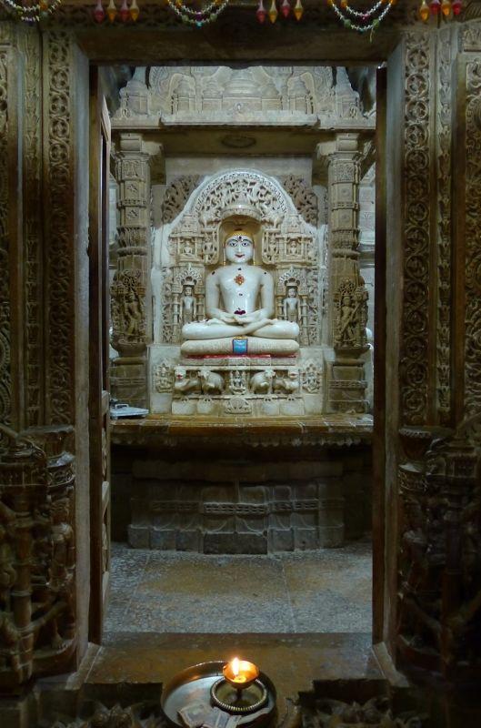 Idol in Chandraprabhu Jain temple - Jaisalmer