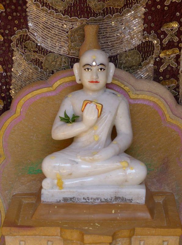 Idol in Rishabanatha Jain temple - Jaisalmer Fort