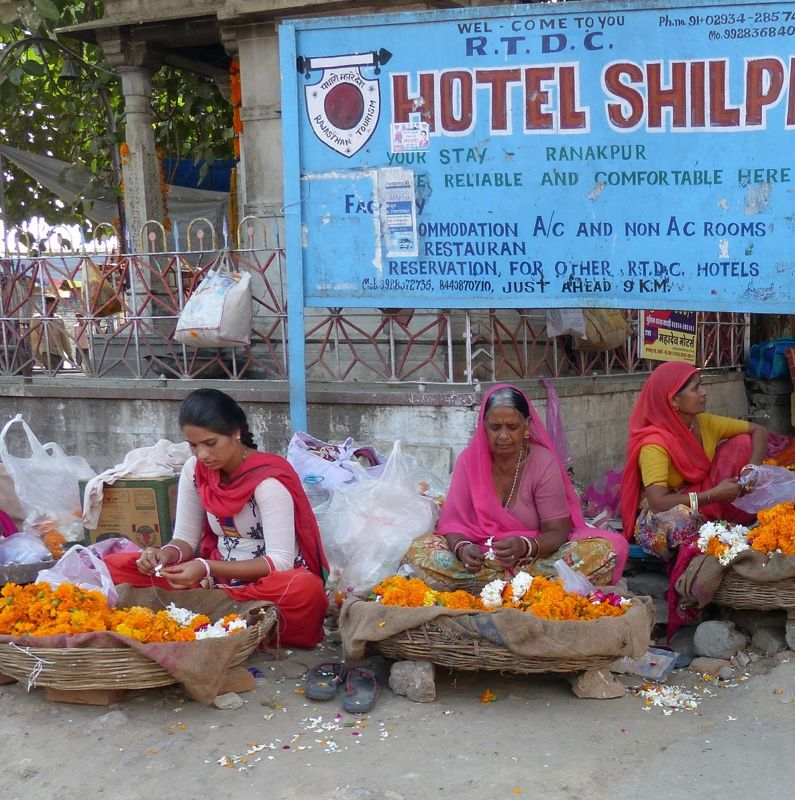 Flower sellers in Sadri