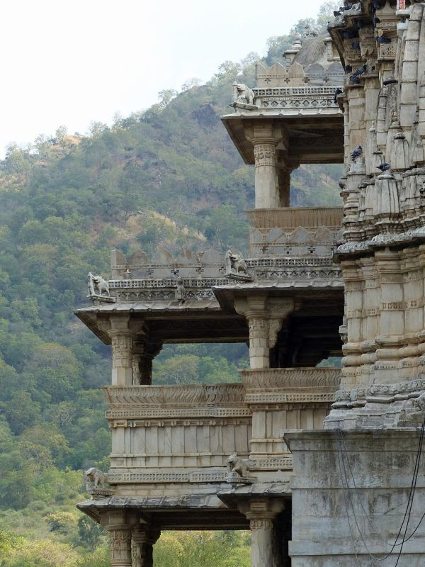 Side view - Ranakpur
