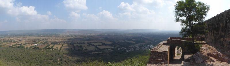large_7551675-View_from_Suraj_Pol_Chittaurgarh.jpg