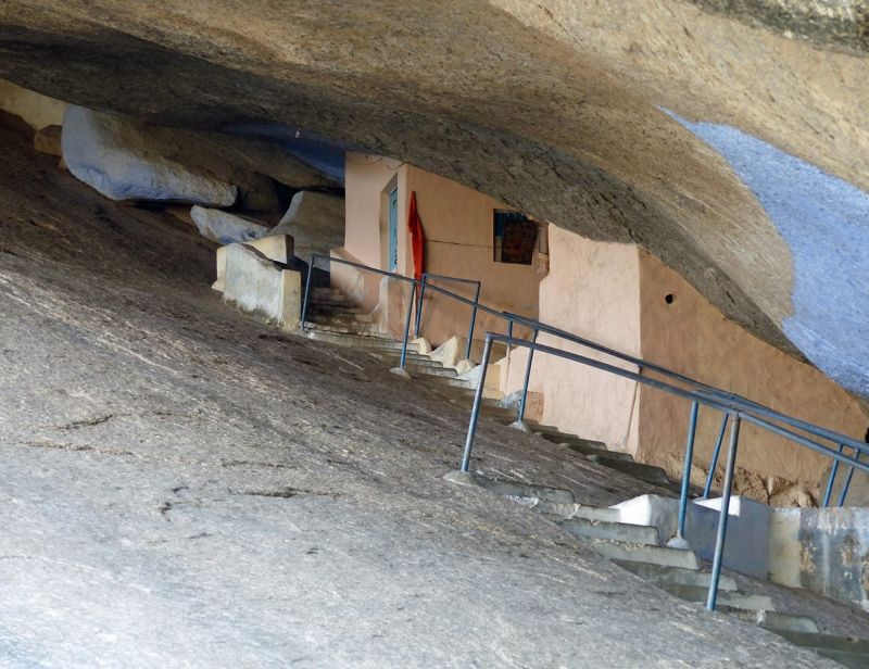 Lord Shiva cave temple - Narlai