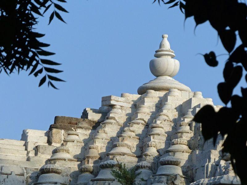 Jain temple, Narlai