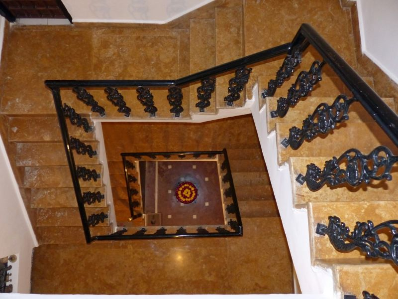 Looking back down the stairs - Bundi Vilas haveli