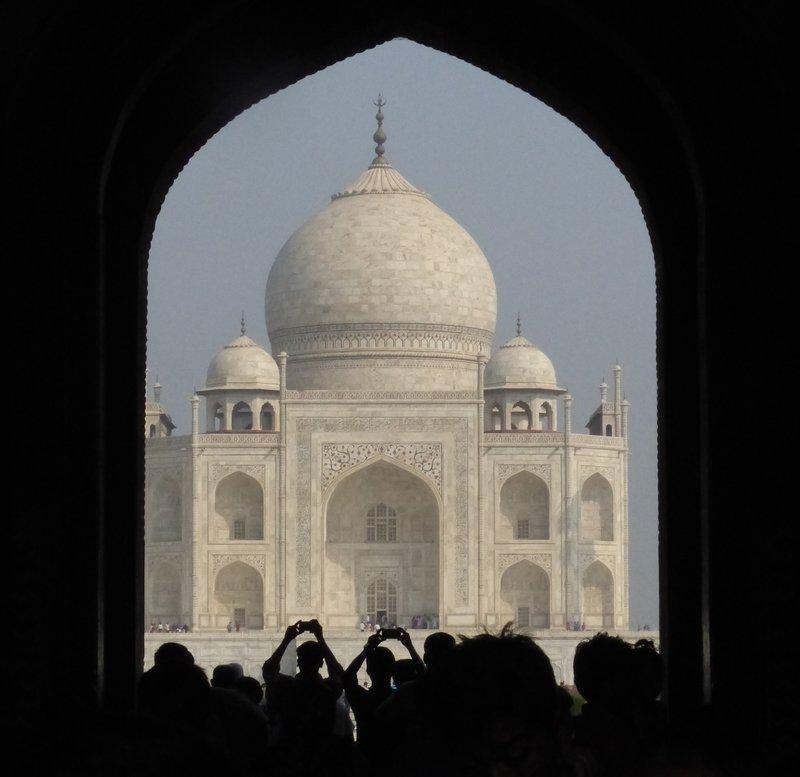 large_Agra_7a_Taj_Mahal.jpg