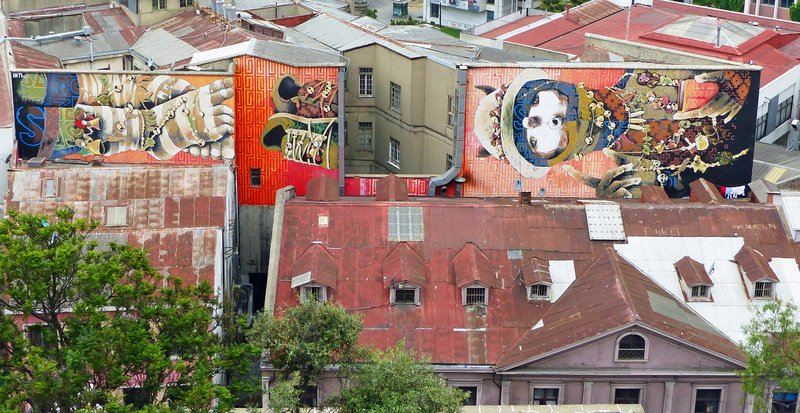 Valparaiso - mural by Into