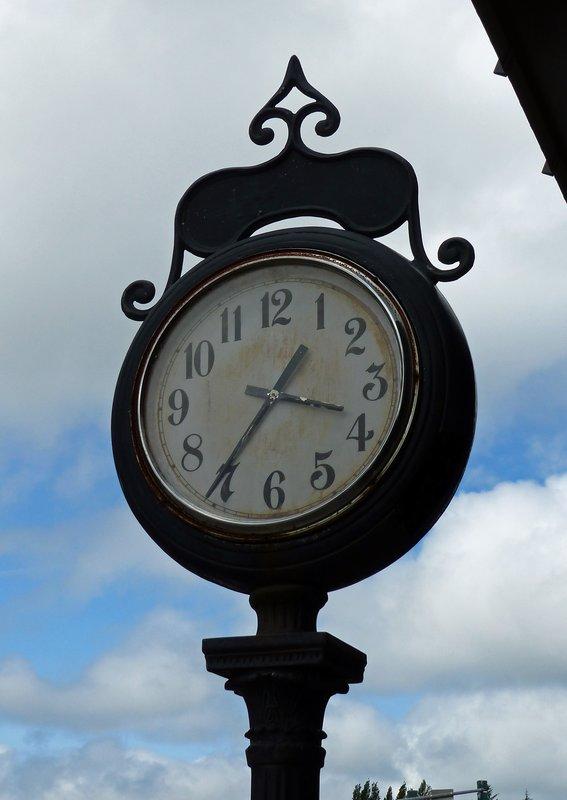 Clock in Forks